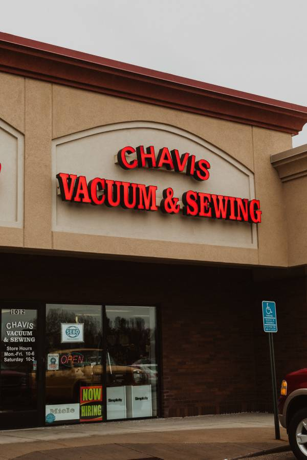 Burnsville - Chavis Vacuum & Sewing Storefront